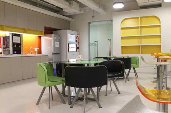 选择办公室装修公司的关键点与原则!